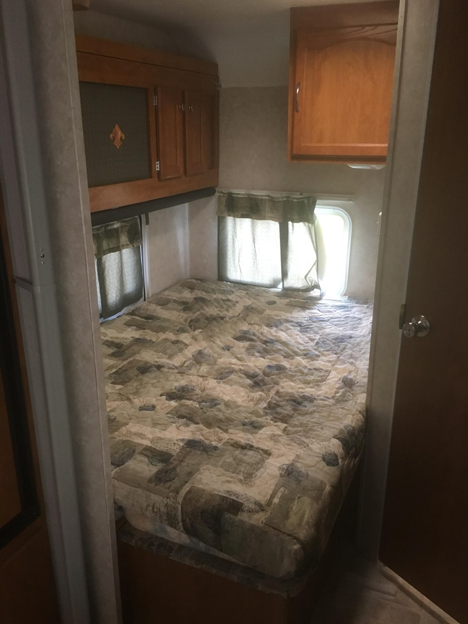 Clean Compact Travel Trailer With Bunks