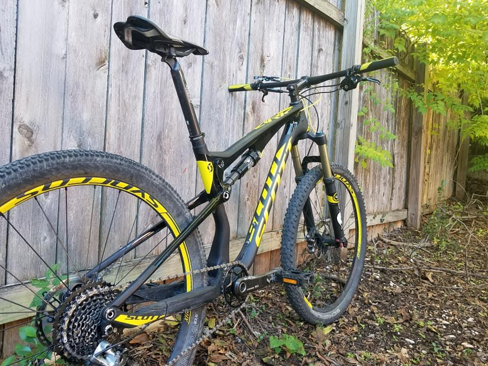 8c8c5c3eb2d 2015 Scott Spark 700 RC Mountain Bike (Medium) - Austin, Texas