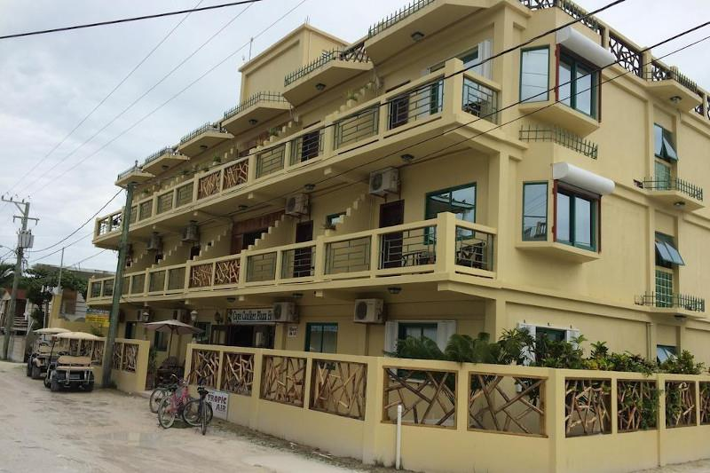 Where to stay in Caye Caulker - Caye Caulker Plaza Hotel