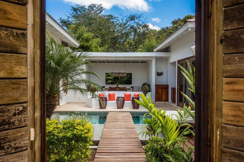 Romantic hotels in Belize